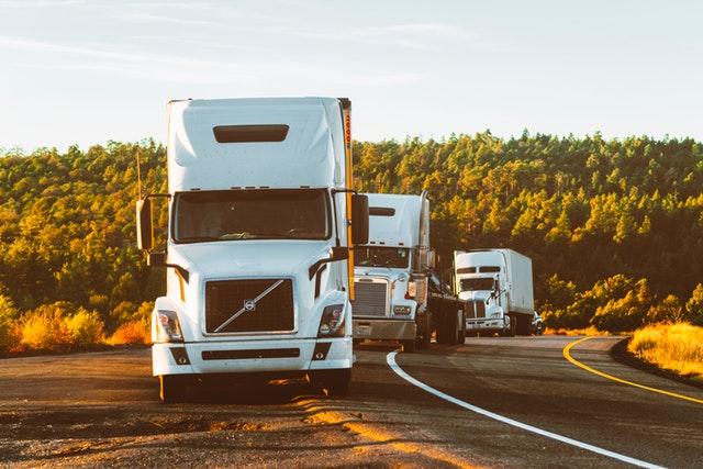 řada nákladních vozidel